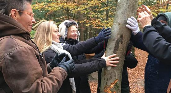 Kursister i skoven